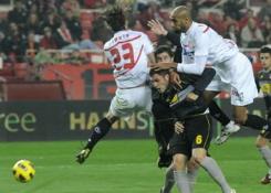 Sevilla F.C. 1 – R.C.D. Espanyol 2. Sin puntería.